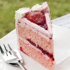A Delicious recipe for strawberry double layer cake this is a family favorite dessert, great served with vanilla ice cream.. Strawberry Double Layer Cake Recipe from Grandmothers Kitchen.