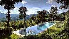Castello di Reschio   lap pool