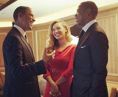 """Il presidente degli Stati Uniti, Barack Obama, ha incontrato la celebre coppia della pop music Jay-Z e Beyoncé, alla raccolta fondi del """"40/40 Club"""", locale di proprietà di Jay-Z.  Obama ha scherzato su quanto i due uomini siano meno famosi delle rispettive consorti dichiarando: «Abbiamo entrambi figlie, e le nostri mogli sono più popolari di noi. È dura, ma va bene così»."""