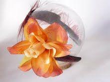 Vincha con flor grande de Pushkala