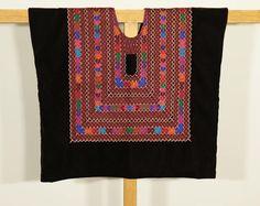 Huipil mexicano artesanal: blusa de tehuana con cadenilla, blusa de las mareñas del Istmo de Tehuantepec, COSTA de Mexico, Pacífico mexicano