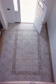 Entryway or foryer tile floor design