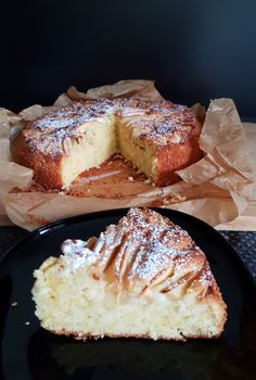 Chec englezesc cu mere. – Lorelley.blog Baby Food Recipes, Cookie Recipes, Dessert Recipes, Desserts, Beef Bourguignon, Dessert Drinks, Sweet Cakes, Pound Cake, Food And Drink