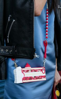 An adorable way to carry your smartphone!