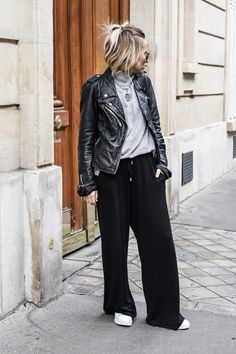 Camille / 12 janvier to my love – flare pantsBack to my love – flare pants NOHOLITA Mode Outfits, Fall Outfits, Casual Outfits, Looks Style, Casual Looks, Hijab Mode, Love Fashion, Autumn Fashion, Dress Over Pants