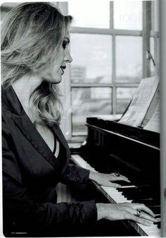 Published in Vrouw&Passie Magazine, jan 2013, photo by Lia Zaal