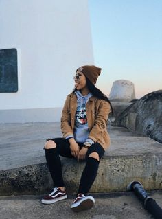 47 Elegant Tomboy Teenage Ideas For Fall Winter While many pa Tomboy Outfits Elegant fall ideas skatergirloutfits Teenage Tomboy Winter Cute Tomboy Outfits, Swag Outfits For Girls, Teenage Outfits, Retro Outfits, Grunge Outfits, Teen Fashion Outfits, Tomboy Clothes, Tomboy Swag, Tomboy Girl