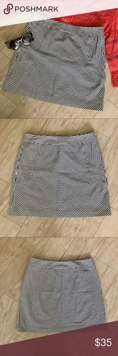 Sandro 100% Cotton Grey and White Striped Skirt This skirt is so cute! It's a light grey and white striped pattern and the pattern on the front is super flattering. It has a zipper closure on the side of the skirt. It is a size 8 and is in excellent condition. Let me know if you have any questions and feel free to make an offer! 😊 Sandro Skirts