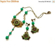 Hey, I found this really awesome Etsy listing at https://www.etsy.com/listing/507295949/green-renaissance-revival-demi-necklace