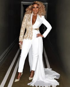 """mary j blige just called me poor and ugly"" Black Girl Magic, Black Girls, Black Women, Mary J Blige, Fashion Outfits, Womens Fashion, Fashion Trends, Style And Grace, Classy Outfits"