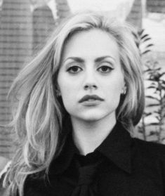 One of the most beautiful faces of Hollywood, Brittany Murphy. Rest in peace. – Jadie Hammons One of the most beautiful faces of Hollywood, Brittany Murphy. Rest in peace. One of the most beautiful faces of Hollywood, Brittany Murphy. Rest in peace. Most Beautiful Faces, Beautiful People, Pretty People, Apps For Girls, Date Night Makeup, Atlanta, Gone Girl, White Image, Girl Crushes