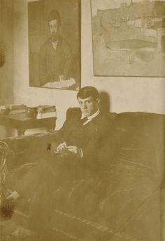 Pablo Picasso, 1915-6, Autoportrait avec Portrait d'homme, 5 bis, rue Schoelcher, Paris, Gelatin silver print, Private Collection © 2014 Estate of Pablo Picasso/Artists Rights Society (ARS), New York