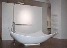 Ceramica Flaminia Leggera bathtub with a shower pole