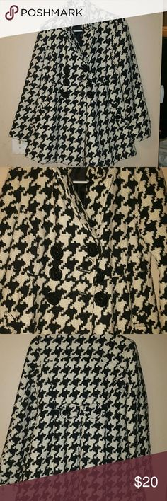 hounds tooth coat ladies m in excellent condition Jackets & Coats