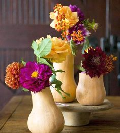 Thanksgiving Day Table Centerpiece – pumpkins and flower