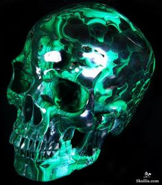 I found 'LIFESIZE Malachite Carved Crystal Skull, Super Realistic Skull' on Wish, check it out! Crystals And Gemstones, Stones And Crystals, Skeleton Watches, Cool Rocks, Skull Art, Skull Decor, Rocks And Gems, Crystal Skull, Skull And Bones
