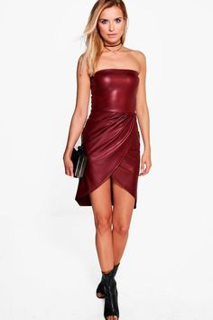 Put your best foot forward (always) with boohoo's dresses. With select styles from casual to night out dresses, set the trend wherever you go. Burgundy Midi Dress, Bodycon Fashion, Leather Dresses, Bandeau, Dress Backs, Dress Collection, Fashion Outfits, Fashion Clothes, Bodycon Dress