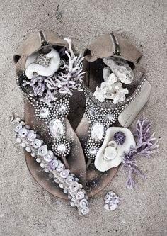 Find images and videos about boho on We Heart It - the app to get lost in what you love. Style Boho, Boho Chic, Aztec Style, Hippie Bohemian, Boho Gypsy, Gypsy Soul, Love Warriors, Mode Style, Perfume Bottle