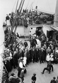 1900-1914 - Google Search -Immigrants were admitted to Canada. -Canada encouraged waves of immigrants to come and start new lives. -women and children were used in factories for cheap labor.