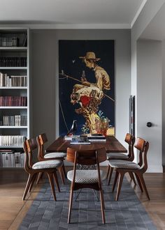 Get inspired by these dining room decor ideas! From dining room furniture ideas, dining room lighting inspirations and the best dining room decor inspirations, you'll find everything here! Modern Dining Room Tables, Dining Room Lighting, Dining Room Design, Dining Table, Dining Room Inspiration, Interior Design Inspiration, Home Interior Design, Interior Paint, Dinner Room