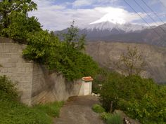 good read on fgpotd about mountainside garden in Iran.