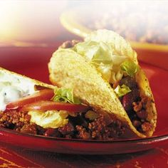 Try this healthier, low in saturated fat recipe for vegetarian chilli beef tacos as a tasty, light snack. This low calorie option has Quorn Meat Free Mince. Quorn Recipes, Veggie Recipes, Vegetarian Recipes, Quorn Meals, Vegetarian Tacos, Quorn Mince, Healthy Eating Recipes, Cooking Recipes, Recipes