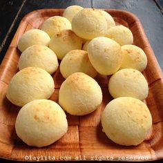 Pan de yuca or cassava cheese bread – Laylita's Recipes Flour Recipes, Cheese Recipes, Bread Recipes, Snack Recipes, Cooking Recipes, Yucca Bread Recipe, A Food, Food And Drink, Crunch Recipe