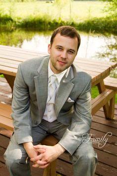 wedding photography - groom pose - nanaimo, BC