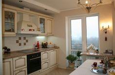 Кухня — современная светлая классика с венецианскими мотивами