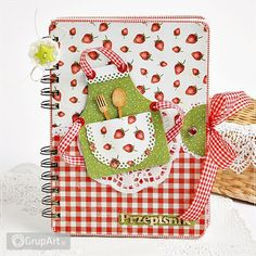 OC na rower Book Layouts, Mini Albums, Pot Holders, Scrapbooking, Recipe, Books, Ideas, Reading, Libros