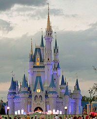 Disney World Magic Kingdom   ... centre de Magic Kingdom , point de repère du parc Walt Disney World
