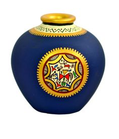A beautifully handcrafted terracotta vase in unique matki shape, hand painted in a lovely blue with a patch of warli art in contrasting colours of gold and red. Beautiful hand painting has been done around the neck of matki which is coloured gold. Pottery Painting Designs, Pottery Designs, Paint Designs, Pottery Art, Blue Pottery, Worli Painting, Bottle Painting, Bottle Art, Ceramic Painting
