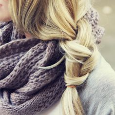 Lost Valley Cozy Knit Scarf...