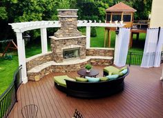 Very unique! Love the color scheme, too.  #healthyspaces #patiolife #outdoorliving #bianaking #befreewithstyle