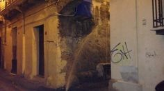 Rubata la fontanella di ghisa  Video  dal vicolo del centro storico
