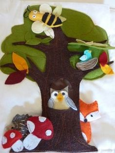 Animales que juegan y se esconden en el árbol, otro juego de fieltro y velcro para entretener a los niños en un viaje