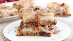 Fall's Best Apple Desserts - Caramel Apple Pie Cookie Bars Best Apple Desserts, Apple Recipes, Easy Desserts, Cookie Recipes, Delicious Desserts, Bar Recipes, Dessert Recipes, Dessert Ideas, Apple Deserts