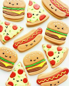 Perfect day for a BBQ! Vickie Liu [CookieCutterKingdom Hamburger and Hot Dog Cutters] Perfect day for a BBQ! Vickie Liu [CookieCutterKingdom Hamburger and Hot Dog Cutters] Cookies Cupcake, Dog Cookies, Fancy Cookies, Iced Cookies, Cute Cookies, Royal Icing Cookies, Cookies Et Biscuits, Cupcake Cakes, Pizza Cookies