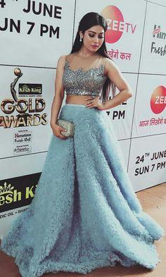 Indian Bridal Fashion, Indian Fashion Dresses, Indian Designer Outfits, Indian Outfits, Designer Dresses, Choli Designs, Lehenga Designs, Blouse Designs, Bride Reception Dresses