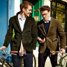 Buy our Olive slim fit cord unstructured jacket exclusively from Charles Tyrwhitt of Jermyn Street, London. Paul Smith, Gentlemans Club, Mens Cords, Der Gentleman, Ivy Style, Charles Tyrwhitt, Mens Sport Coat, Dapper Dan, Slim Fit Jackets