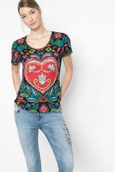 b0bf4bf11f Desigual Kleurrijk wijd shirt. Ontdek de damesmode met pit! Camisetas  Mujer