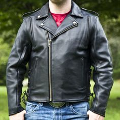 The Classic Leather Motorcycle Jacket: What to Look for and Some Great Options | Wind Burned Eyes Cool Street Fashion, Street Style, Motorcycle Gloves, Leather Vest, Classic Leather, Neck Warmer, Mans Health, That Look, Jackets