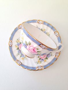 Vintage Windsor English Fine Bone China Teacup and Saucer Shabby Chic Tea Party