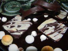 decorazioni di cioccolato per torta