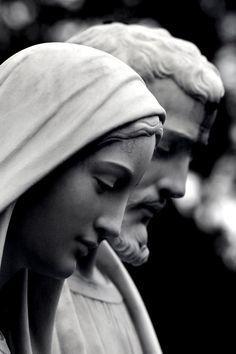 """MARY AND JOSEPH """"Não sei verdadeiramente como se pode pensar na Rainha dos Anjos, no tempo em que passou com o Menino Jesus, sem dar graças a São José, pelo auxílio que Lhes prestou! (Santa Teresa de Jesus)"""