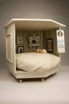 Pet bed...this is perfect for toot macgoot!