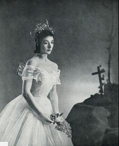 1946 - Margot Fonteyn as Giselle at Covent Garden for Sadler's Wells Ballet [photo by Gordon Anthony].