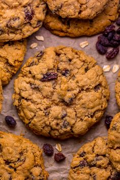 Brown Butter Oatmeal Raisin Cookies Bakery Recipes, Donut Recipes, Cookie Recipes, Dessert Recipes, Best Oatmeal Raisin Cookies, Oatmeal Scotchies, Cake Cookies, Cookies Et Biscuits, Drop Cookies