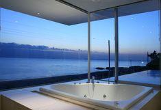 Baño con vistas al mar