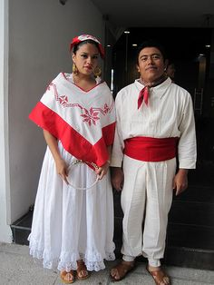 Trajes tipicos de Puebla- How stylish is this.  Viva Mexico (Happy Cinco de Mayo)